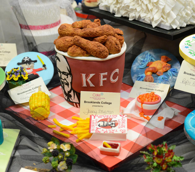 KFC-bucket-cake