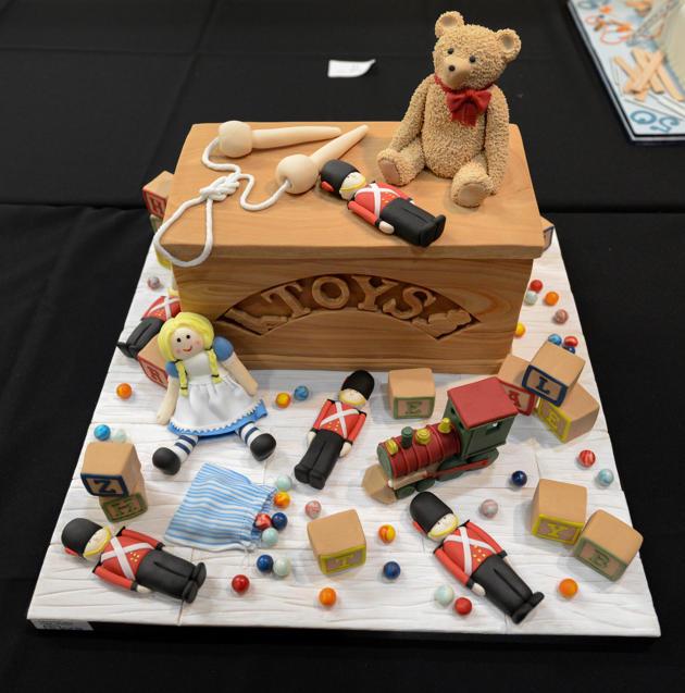 toy-box-cake