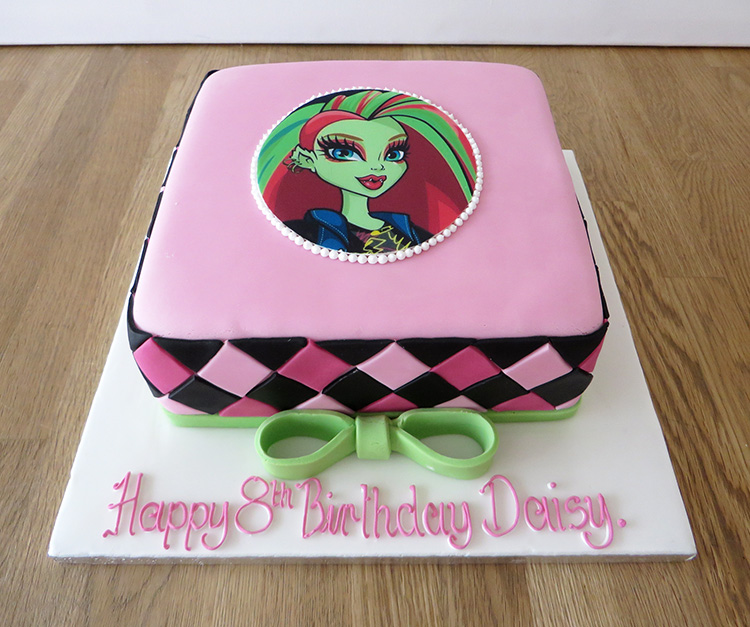 Incredible Monster High Birthday Cake The Cakery Leamington Spa Funny Birthday Cards Online Fluifree Goldxyz