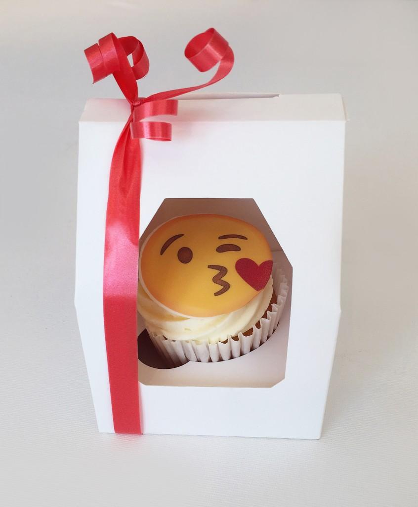 Emoji Valentines Single Cupcake Box