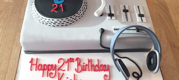 DJ Deck Cake