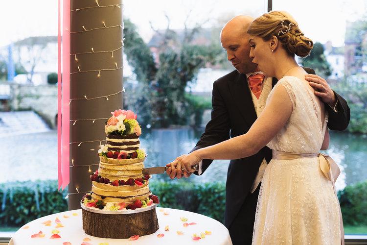 naked-cake-on-friday-bride